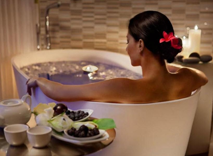 гидромассажная содо-солевая ванна с маслом лаванды фото